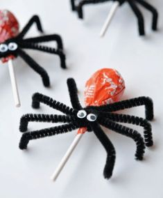 Fall crafts for kids - Lolly Pop Spiders - crafts for kids - . - Fall crafts for kids – Lolly Pop Spiders – crafts for kids – - Comida De Halloween Ideas, Dulceros Halloween, Halloween Food For Party, Diy Halloween Decorations, Holidays Halloween, Halloween Treats For School, Kids Halloween Crafts, Holloween Treats For Kids, Halloween Costumes