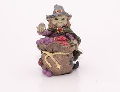 A goblin's name: Pixies magician (health)  Size: 11 cm