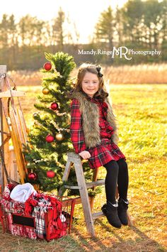 Hot Cocoa Stand Styled Mini Session Sunny Day Open Field Happy New Year Christmas Pictures Outfits, Christmas Portraits, Family Christmas Pictures, Christmas Backdrops, Holiday Pictures, Christmas Photo Cards, Christmas Tree, Winter Christmas, Photography Mini Sessions