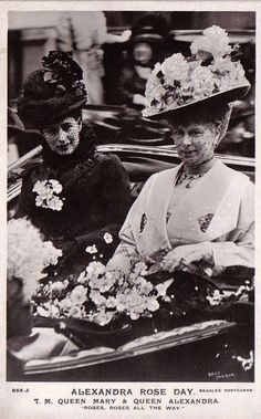 Queen Alexandra and Queen Mary, London, Queen Alexandra was wife to Edward VII; Queen Mary to his successor (and Alexandra& son) George V. Taken when Queen Alexandra was Queen Dowager. English Royal Family, British Royal Families, Queen Mary, King Queen, Queen Mother, Sandringham House, Princess Alexandra Of Denmark, Princess Margaret, Princess Diana