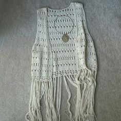 Shabby chic cream knit cover top Fashionable, knit, and great when paired with a simple vintage top, shorts and your cool collective spirit. A teen or young adult favorite can really be mastered by any woman. New, never worn. Boston Proper Tops