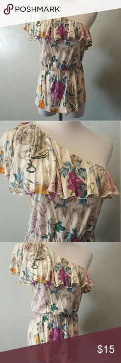 H&M floral top H&M off the shoulder floral top 100% rayon. In perfect condition. H&M Tops
