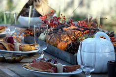 Fall Tablescapes--perfect for a Thanksgiving table