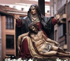 Jesus Mother, Blessed Mother, Mother Mary, Semana Santa Valladolid, Baroque Sculpture, La Pieta, Spain Culture, Pictures Of Jesus Christ, Our Lady Of Sorrows