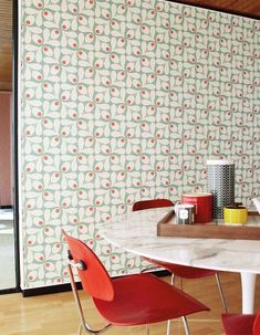 Stylised acorn cups in a retro geometric look wallpaper design by Orla Kiely. Loki Wallpaper, Wallpaper Panels, Retro Wallpaper, Modern Wallpaper, Designer Wallpaper, Pattern Wallpaper, Orla Kiely, Farrow Ball, Living Room Modern