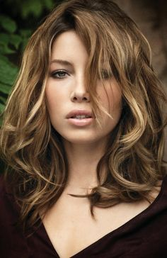 Jessica Biel. Beautiful makeup and hair color!!