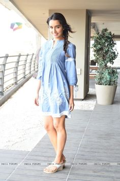 Shraddha Kapoor photo shoot for Baaghi promotions Indian Celebrities, Bollywood Celebrities, Bollywood Actress, Shraddha Kapoor Cute, Sonam Kapoor, Bollywood Stars, Bollywood Fashion, Hot Girls, Sraddha Kapoor