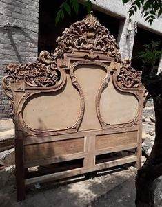 Chiniot Furniture Bed Sets Designs in Pakistan is the most beautiful furniture designs in Pakistan. Luxury Bedroom Furniture, Luxury Bedroom Design, Bedroom Bed Design, Bedroom Decor, Wood Bed Design, Wooden Door Design, Railing Design, Wooden Art, Furniture Upholstery