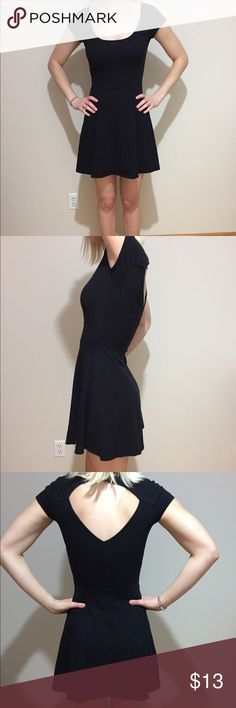 American Eagle Dress Perfect little black summer dress. Easy to throw on and dress up or down with jewelry and shoes. In good condition! American Eagle Outfitters Dresses