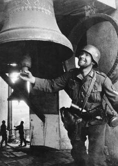 Les cloches de Kiev sonnent la victoire.....Allemande!