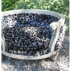 Le Dauphin luxury pet bed - faux leopard