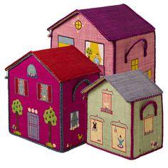 BSHOU-3ZGHW_1.jpg - House Toy Basket Ljusgrönt hus med blått tak och balettdansös, Small - Heminredning på nätet hos Inreda.com