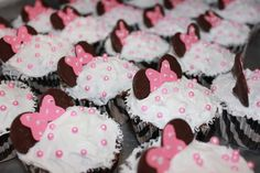 """Photo 6 of 26: Minnie Mouse / Birthday """"CARLA & GISELLA MINNIE MOUSE PARTY"""" 
