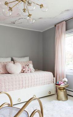 Pink Wallpaper Bedroom, Pink Bedroom Walls, Blush Pink Bedroom, Marble Bedroom, Bedroom Wall Colors, Pink Bedrooms, Room Ideas Bedroom, Wallpaper For Girls Room, Blush Walls