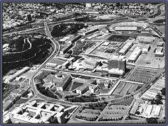 Urbanismo: Disciplina encargada de la planificación y organización de un medio físico para la vida humana.
