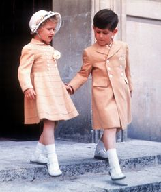 Princess Anne And Prince Charles Of England 1954-LOVELY COAT ON ANN