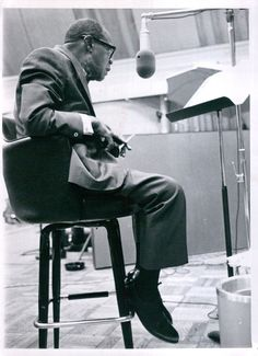 Vintage 1970 Louis Armstrong Recording Studio Listens to Playback Press Photo