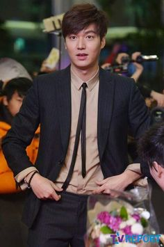 Lee Min Ho | Gangnam 1970 red carpet and showcase 01.06.2015 Asian Actors, Korean Actors, Lee Seung Gi, Lee Joon, Lee Min Ho Images, Lee Min Ho Smile, Lee Minh Ho, Lee Min Ho Kdrama, Korean Drama Stars