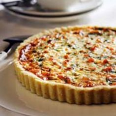 Lohi-purjopiirakka Pizza Nachos, Finnish Recipes, I Foods, Savory Foods, Food Porn, Good Food, Food And Drink, Treats, Cooking