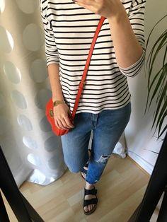 Girlfriend Jeans gestreiftes Shirt Outfit mit Birkenstocks