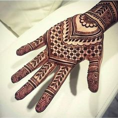 Mind blowing mehndi design for hand