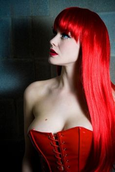 Beautiful red hair, red lips and red corset. my future wife! Beauty And Fashion, Look Fashion, Bright Red Hair, Colorful Hair, Red Corset, Beautiful Redhead, Shades Of Red, Lady In Red, Redheads