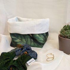 Albane est un joli vide-poche qui vous permettra de ranger vos chouchous. Vous pouvez également vous en servir comme un sac à vrac pour stocker vos aliments. Vide Poche, Scrunchies, Napkin Rings, Comme, Ranger, Pretty, Napkin Holders