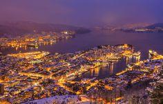 Winter night in Bergen, Norway [1500x962]