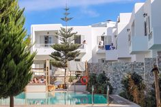 It's never too early to start planning your next year's vacation or your 2018 wedding and honeymoon accommodation! Check out the fabulous #Mykonos Kosmoplaz #hotel for more!