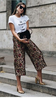 Fall Street Style Outfits to Inspire - Fall street style / Fashion Week street style Source by fromluxewithlove. Street Style Outfits, Looks Street Style, Looks Style, Chic Outfits, Fashion Outfits, Womens Fashion, Fashion Trends, Work Outfits, Cullotes Street Style