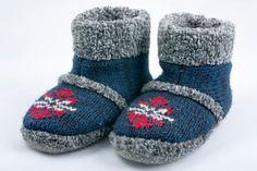 Filzschuhe wärmen große und kleine Füße.