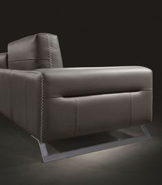 Modular sofa / contemporary / leather / multiplace - TWIST - Gamma Arredamenti International