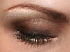 I just love what's going on here with this palette.  I can't decide which is my favorite part, the lovely brow or that strip of light under the lashes.  This is perfection.