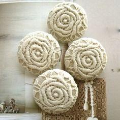 Boutons en tissu motif fleur dentelle blanche coton