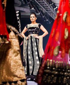 Bangalore Fashion Week Backstage, Fashion, Moda, Fashion Styles, Fashion Illustrations, Fashion Models