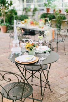 Pastel Parisian watercolor wedding inspiration / Carmen and Ingo Photography