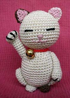"Amigurumi Asian Cat ""Maneki Neko"" - FREE Crochet Pattern / Tutorial (scroll down for pattern in English)"