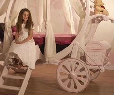 Carriage girls bed