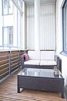 Kaupunkikoti Kajo in Mikkeli / balcony. You can rent the flat! Porch Swing, Outdoor Furniture, Outdoor Decor, Balcony, Beautiful Homes, Flat, Canning, Home Decor, House Of Beauty