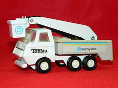 Vintage Collectible Toy Tonka Bell System Telephone Repair Truck with Boom Lift Tonka Trucks, Tonka Toys, Metal Toys, Classic Toys, Telephone, Vintage Toys, Diecast, Southern, Collections