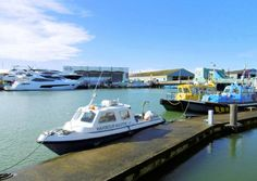 LOCATED ON POOLE QUAY, well situated for those working in the town centre, a newly re decorated modern furnished purpose built 2nd floor apartment with lift access, situated on the harbourside in good order throughout.