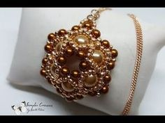 Ciondolo Brigit, con perle e rocailles Toho Necklace Tutorial, Earring Tutorial, Jewelry Making Tutorials, Beading Tutorials, Jewelry Patterns, Beading Patterns, Beaded Earrings, Beaded Jewelry, Seed Bead Projects
