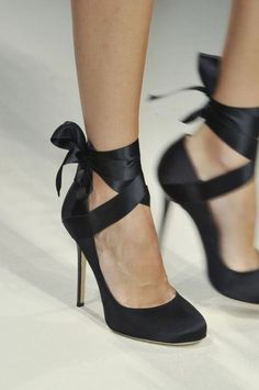 heeled ballet shoes with ribbons, alberta ferretti, SS 2014 #Runway