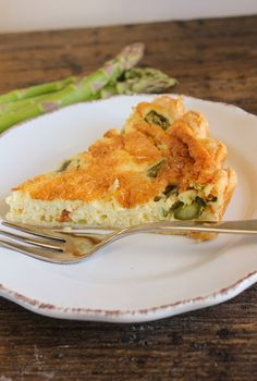 Asparagus Quiche, a great way to welcome the arrival of spring, creamy, cheesy and delicious.