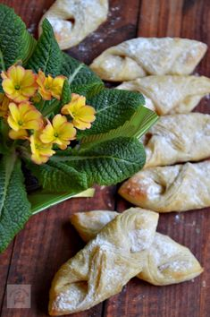 RETETE DE POST - CAIETUL CU RETETE Romanian Desserts, Puff Pastry Recipes, Street Food, Good Food, Food And Drink, Sweets, Bread, Cooking, Healthy