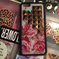 IPhon 6/6s Wildflower case!! Perfect condition!!! Used a couple times Wildflower cases  Accessories Phone Cases
