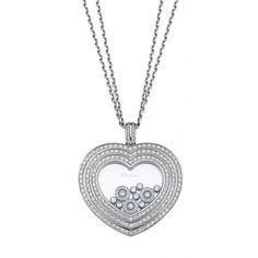 Chopard Pendentif - Happy Diamonds En or gris 18 carats, le pendentif Chopard Happy Diamonds arbore 228 diamants dont 10 magnifiques Happy Diamonds, ou diamants flottants évoluan...