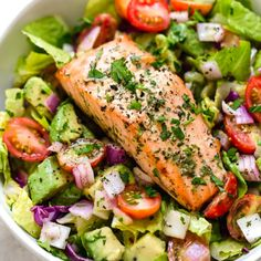 Salmon Avocado Salad is so good I could eat this everyday! Salmon Salad Recipes, Fish Recipes, Lunch Recipes, Seafood Recipes, Avocado Recipes, Grilled Salmon Salad, Smoked Salmon Salad, Smoothie Recipes, Recipies