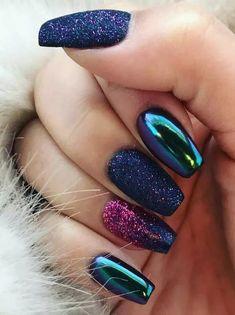 Modele unghii Albastre Cu sclipici