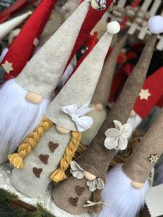 Visita la nostra pagina fb #creazionidililli #handmade #fattoamano #natale #decorazioni #fattoamano #feltro #pannolencio #idee #artigianato #love #style #art #christmas #shopping #❤️#gnomi #elfi